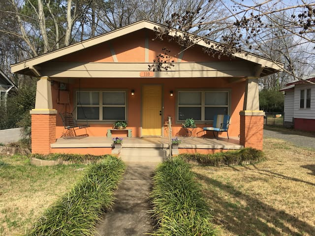 Updated cozy craftsman near Oaklawn - Hot Springs - Huis