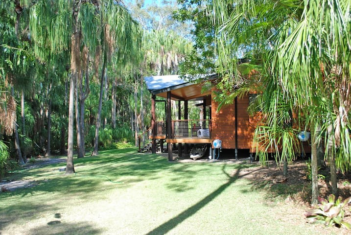 Tropical Rain Forest Style Lodge in Hervey Bay - Dundowran Beach - Ev