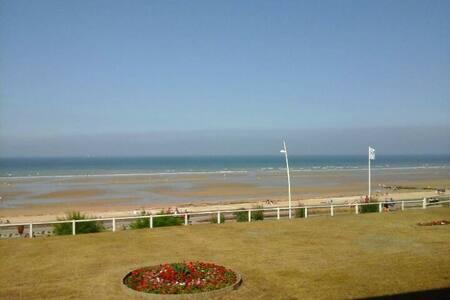 Cabourg Front de mer, Bel appartement 32m2