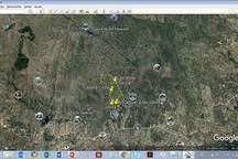 Pero ésto es sólo un pantallazo. Hay cien hectáreas para caminar por la sierra. En este mapa aéreo se ve el tamaño del campo en realción a la distancia a Tanti.