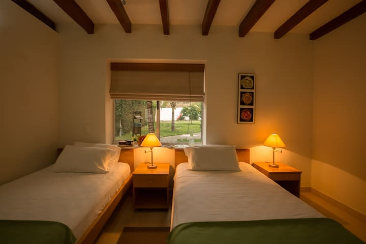 Twin Room In front of the sea