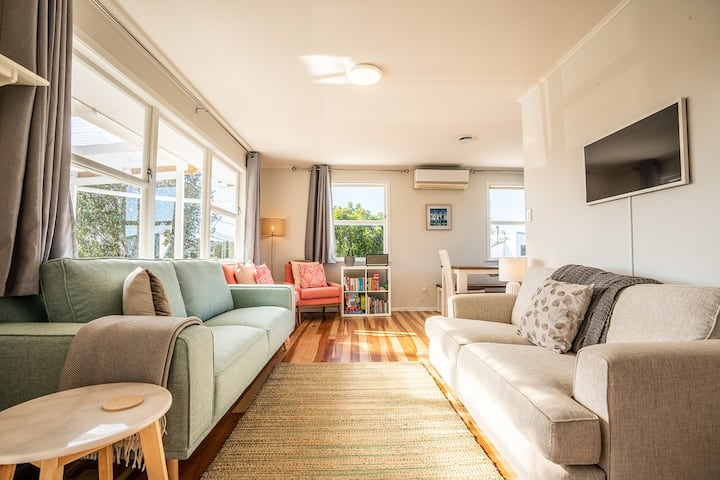 Ti Cottage - Oneroa family friendly | Be My Guest