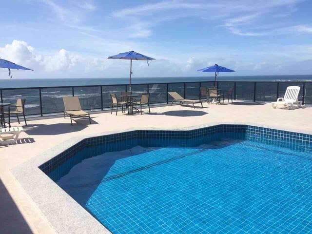 Pituba pé na areia, piscina e ar condicionado