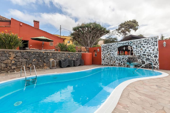 """""""Finca Los Viñedos Casa Rural"""" with Sea View, Shared Pool, Wi-Fi, A/C, Terrace & Garden; Parking Available"""