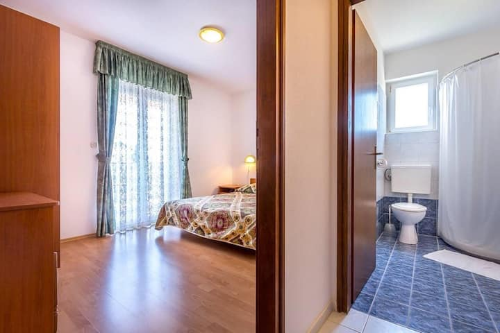 Garni Room 2 - Double Bed, Balcony and Sea View (AC)  a