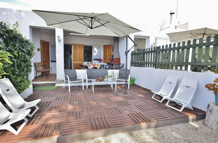 Ap. IZAILA I con piscina-calefacción y WIFI - Calafat - Apartemen