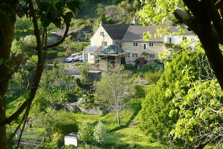 Spring Cottage, a cosy cotswold stone cottage - Stroud - Rumah