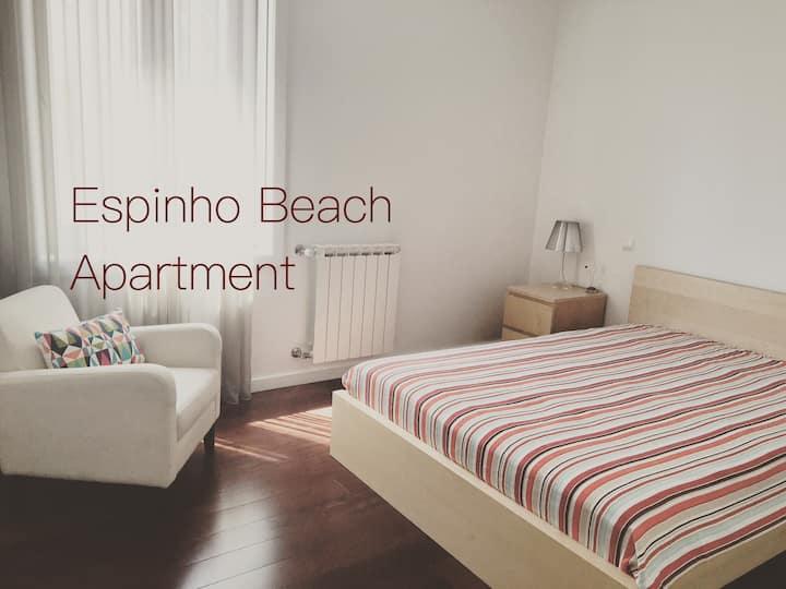 Espinho Beach Apartment - Central location
