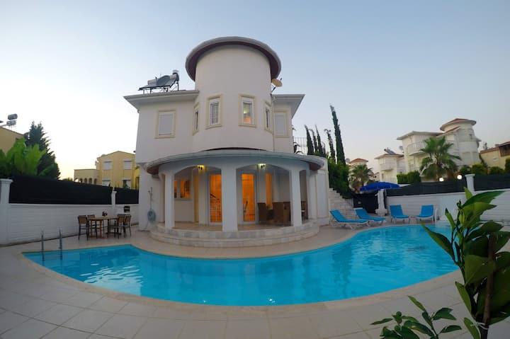 Bella Villa Yasmin Private Pool