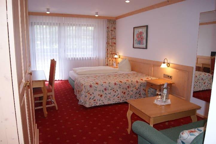 Hotel-Gasthof Zum Süßen Grund, (Albstadt-Ebingen), Doppelzimmer ohne Balkon