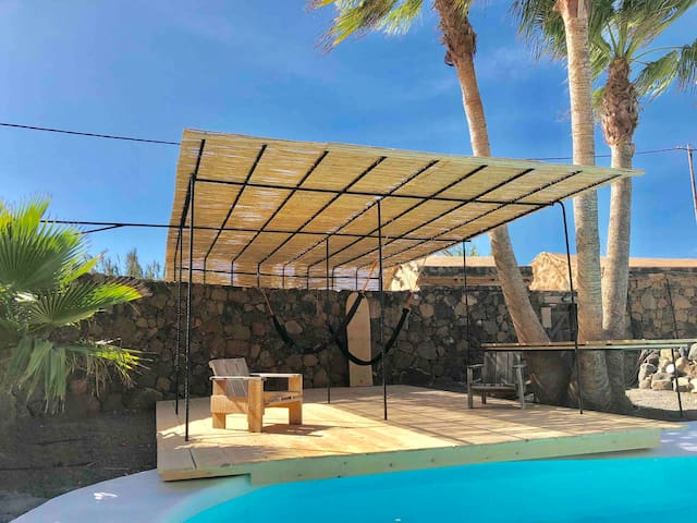 New sun deck with hammacks and dive deck at hidden pool