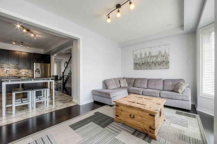 Beautiful 4 Bdrm Home Brampton (Toronto GTA)