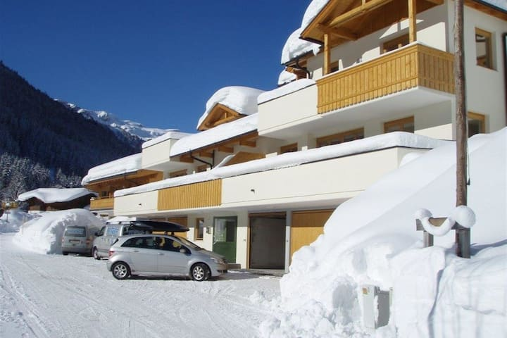 Modern Apartment in Saalbach-Hinterglemm with Garden