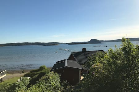 Mysig stuga vid havet i Uddevalla