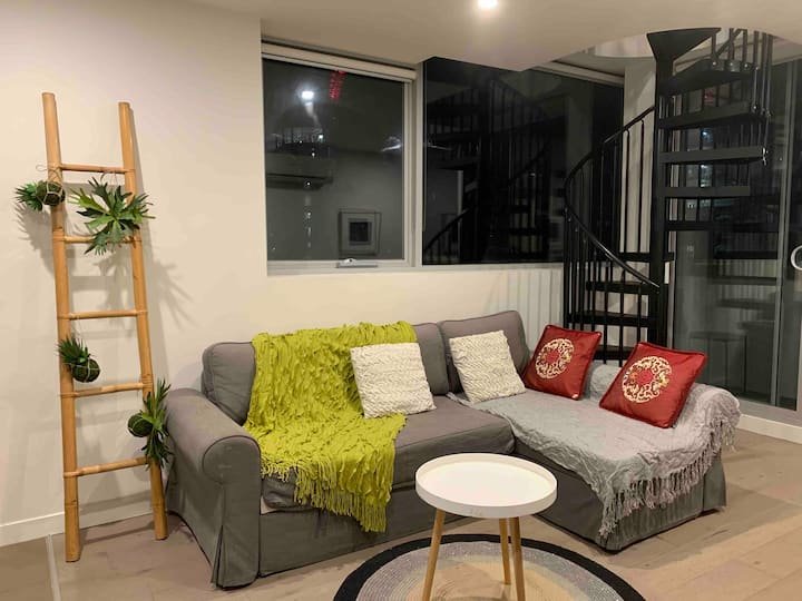 Amazing one bedroom loft at Southern CrossStation