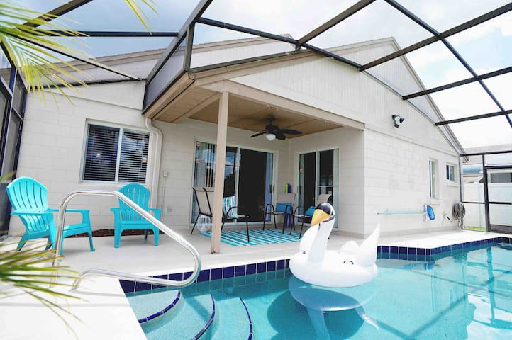 NEWLY RENOVATED DISNEY HOME w/POOL and AIR HOCKEY