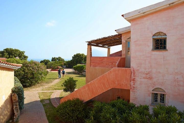Well-kept studio with a nice balcony or terrace near the sea