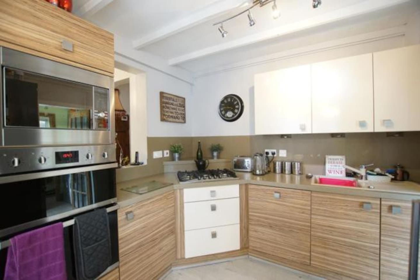 Holly Cottage - Cosy cottage down a private road