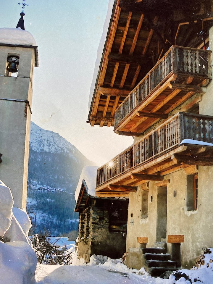Villaroger, Ski to Door, Sleeps 6 + dbl sofa bed