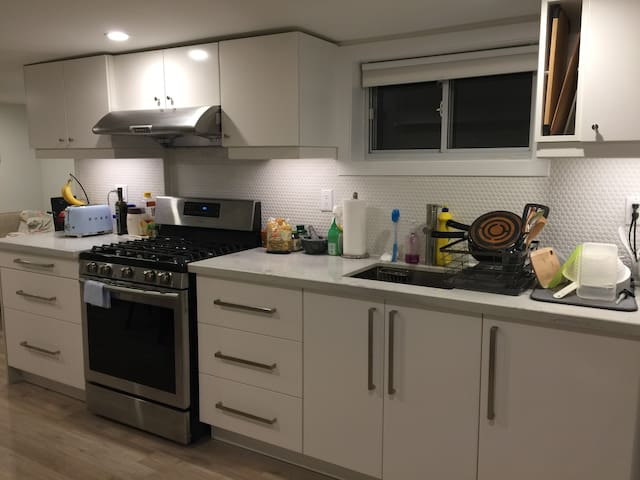 Full sized Kitchen! - To be shared with me