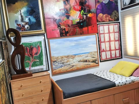 """Soñar con Arte"" Hab. privada: 1 cama de 90X180"