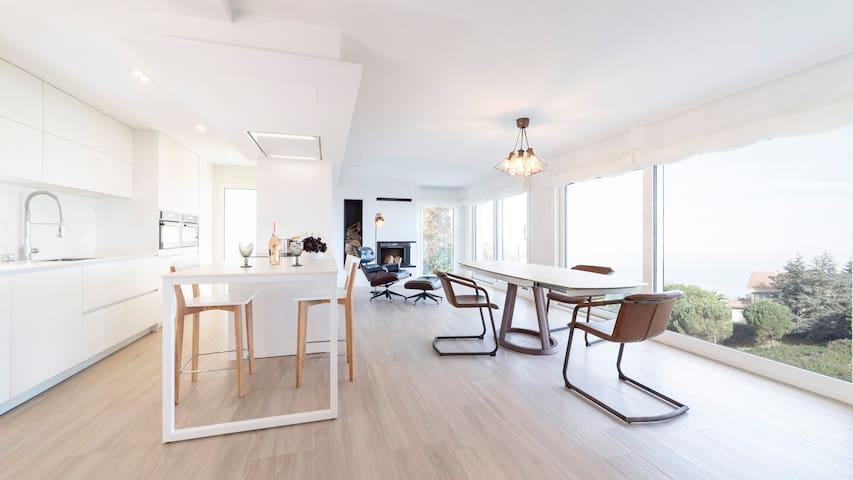 Amazing  Luxury Property SEA VIEWS, A.A 6 pax!