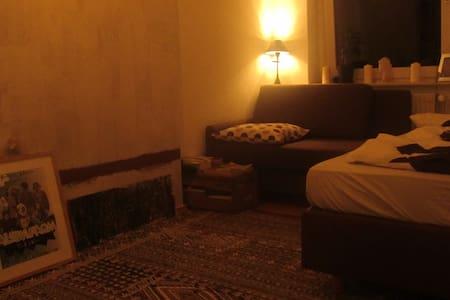 Cozy and quiet room in Berlin Friedrichshain - Berlin - Apartment