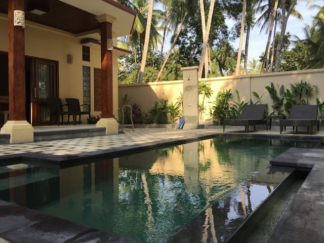 Bahari Deluxe King Pool View