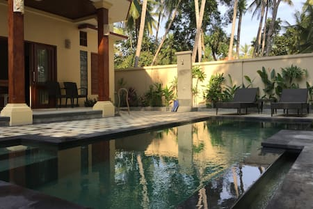 Bahari Deluxe King Pool View