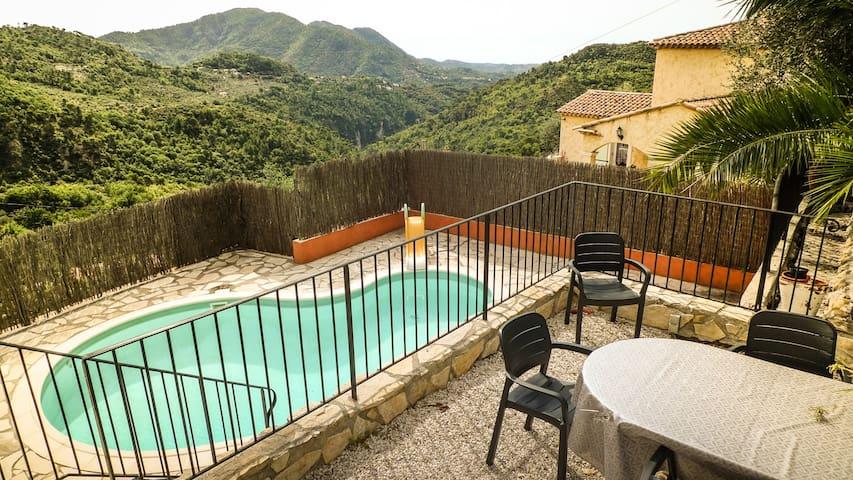 Villa Moderne et Piscine sur les hauteurs de Nice - Levens