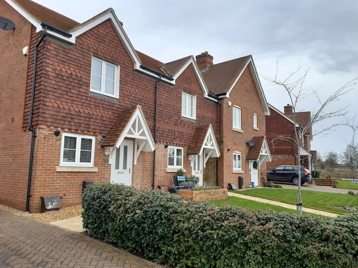 Two Bedroom House in Bishops Waltham