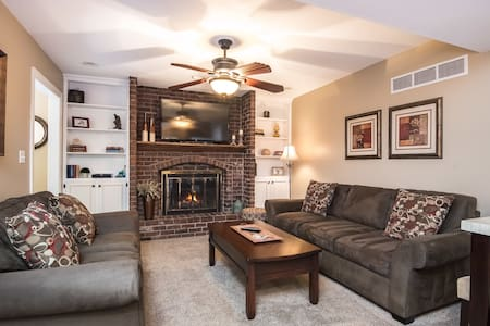 2 Bdrm Apt in Quiet Neighborhood - Family Friendly - Leawood