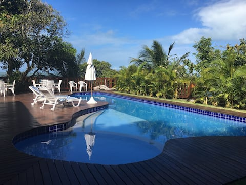 Linda casa com piscina na praia de Catuama, PE