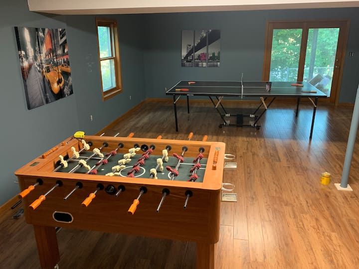 New In town guest suite-two bedrooms + game room