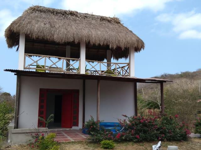 Casa Cabaña Puerto Velero con kiosko y bbq