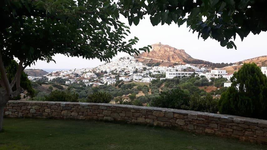 Skyros   Ktima Atsipoli  /  Κτήμα Ατσιπολη.
