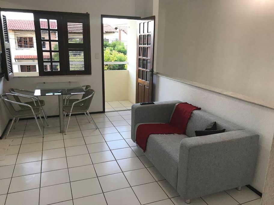 Sala de estar e jantar integradas