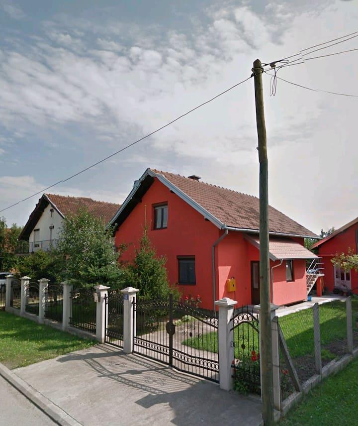 PRLE - HOUSE