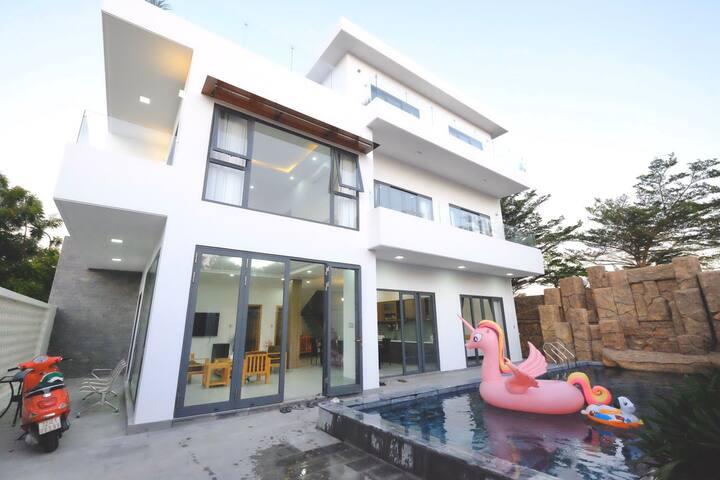 The Avis Apartments - Villa Papa