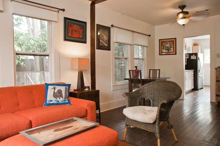 Cozy 2-bdrm East Side house, walk to lots of cafes
