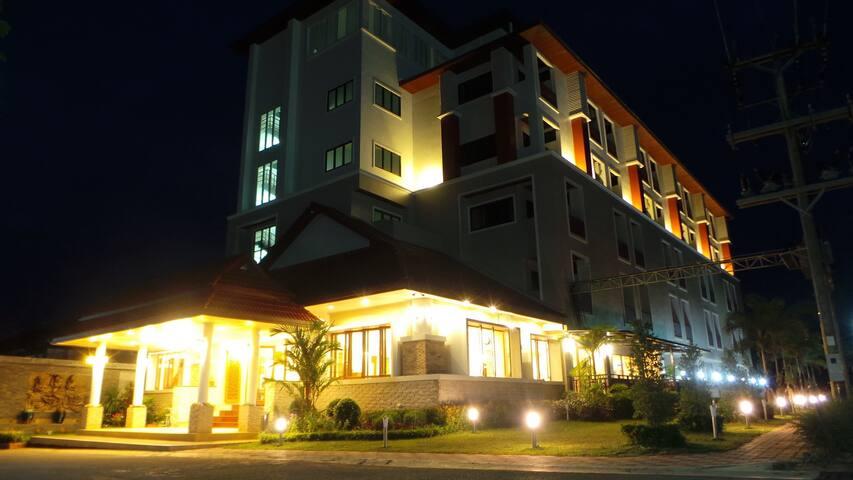 โรงแรม(SENSITIVE CONTENTS HIDDEN)ตรัง - ตรัง - Daire