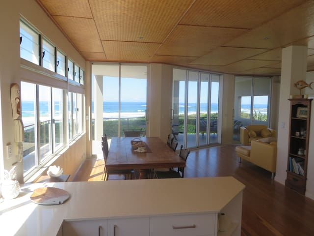Absolute beachfront - Hastings Point - Apartment