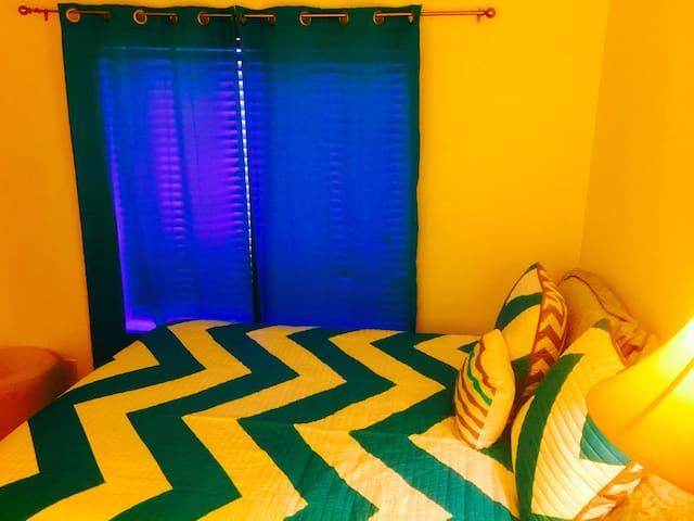 Blue-Green Room With Panoramic View - Henderson