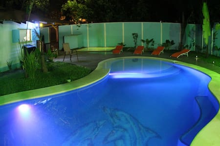 House with pool, close to the beach