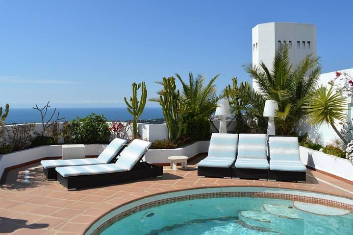 Luxurious Duplex Penthouse in Marbella