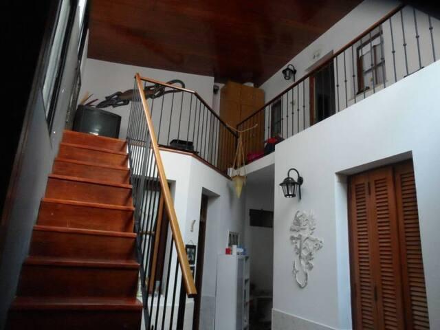 Casa de Pasillo Reciclada Moderna
