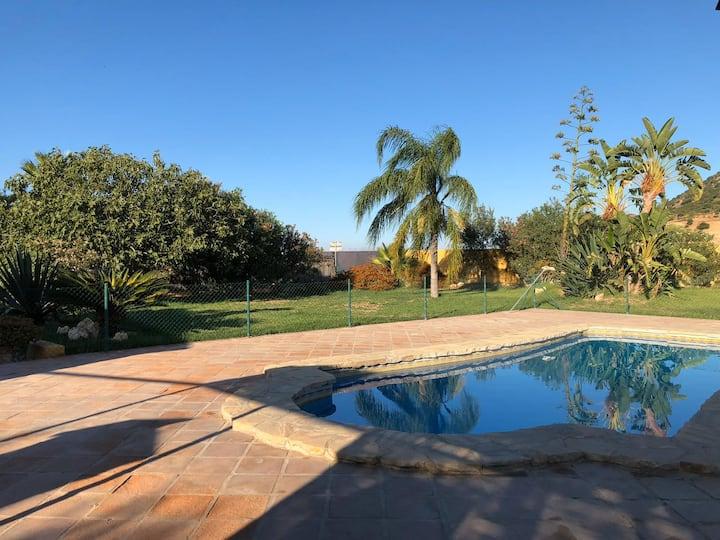 Gemütliches Ferienhaus La Deseada mit Pool, Klimaanlage, WLAN, Terrassen und Bergblick; Parkplätze vorhanden, Haustiere erlaubt