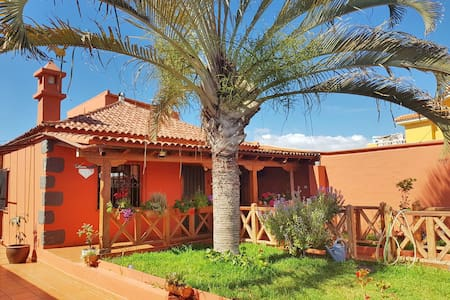 """La Bonita"" Charming home in the south of Tenerife"