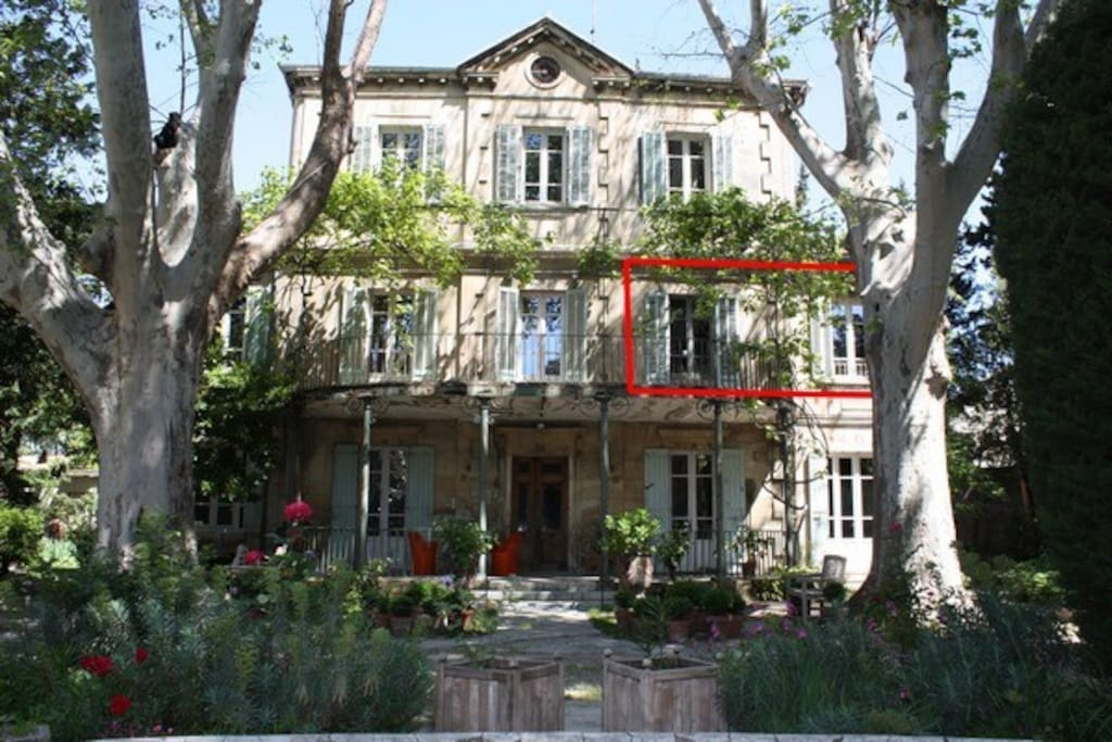 Appartement dans maison de maitre houses for rent in for Avignon location maison
