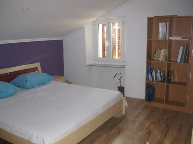 Lovely renewed western room - Mali Losinj